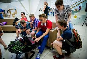 Стримеры собирают сотни тысяч рублей в помощь врачам, борющихся с коронавирусом
